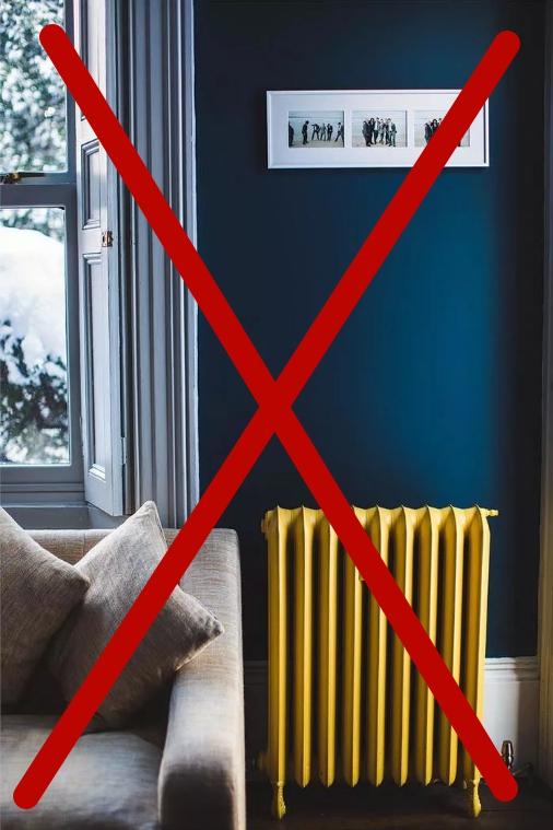 Не ставьте мягкую мебель рядом с отопительными приборами — кожа высушится и растрескается. Расстояние от батареи — не меньше 50 см