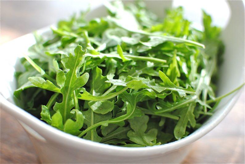 Для продолжительного хранения выбирайте зеленые листья среднего размера без повреждений, как на фото
