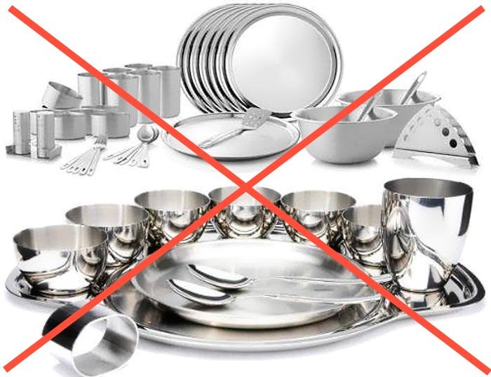 Для микроволновки категорически запрещается использовать металлические емкости