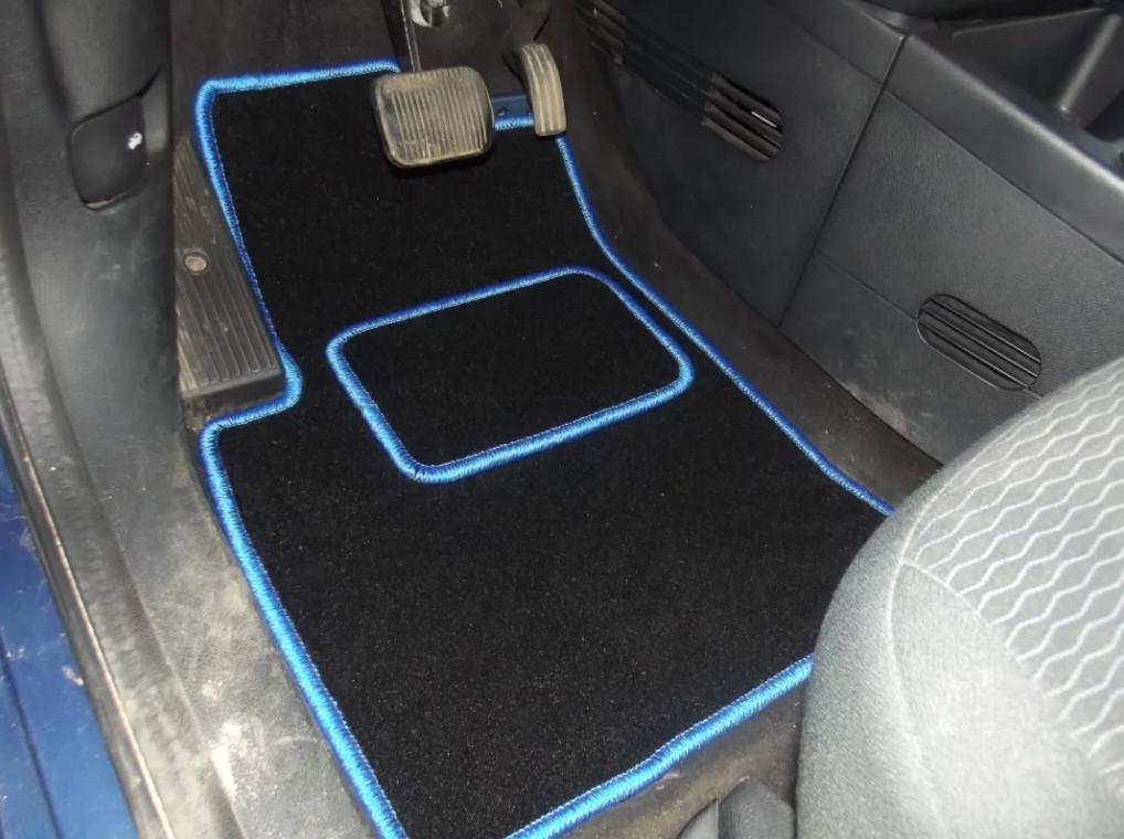 Остаток лишней влаги на подложке коврика может привести к появлению плесени, высушите его полностью