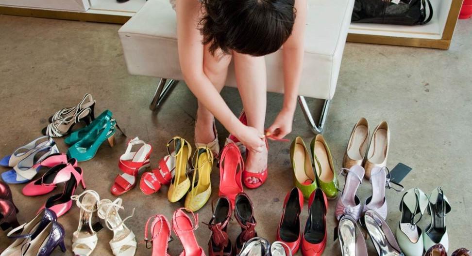 Новую обувь нельзя сразу одевать и идти по улице