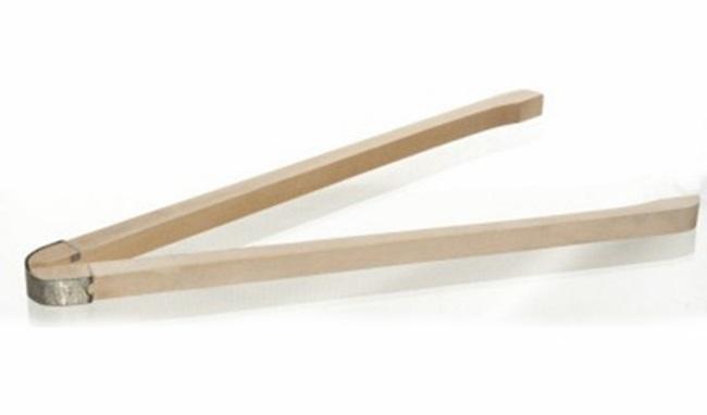 Деревянные щипцы — удобны для перемешивания и изъятия вещей из горячей воды при кипяченииДеревянные щипцы — удобны для перемешивания и изъятия вещей из горячей воды при кипячении