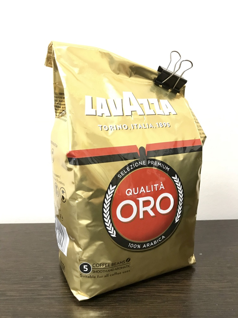 А знаете, сколько хранится кофе в зернах? В закрытой упаковке — до 5 лет, а в открытой — не более двух недель