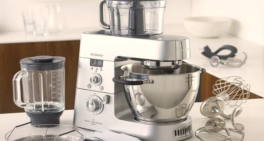 Комбайн — это многофункциональный кухонный прибор, способный заменить почти всю технику для обработки продуктов