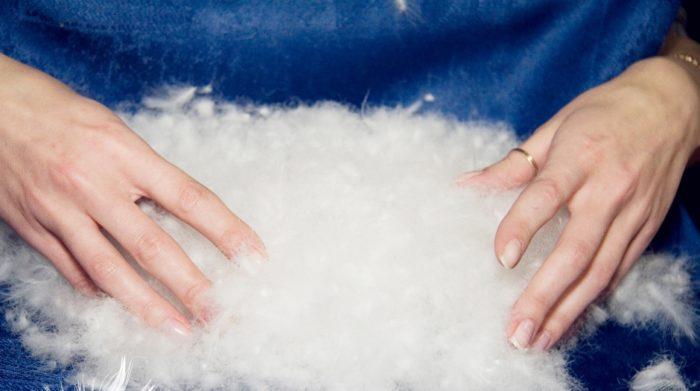 Пух и перо увеличатся в объеме, если стирать специальным моющим средством