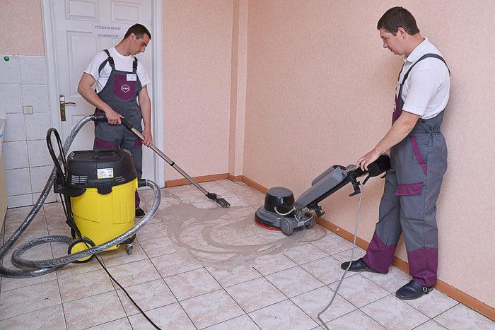 Для сбора строительной пыли лучше взять в аренду специальный пылесос