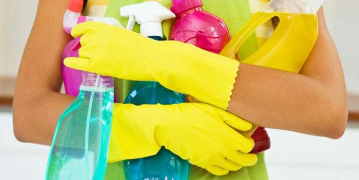 Используя химические препараты, защищайте руки перчатками из резины, чтобы не было раздражений кожи