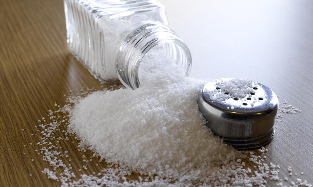 Поваренная соль смягчает воду, а значит, сделает полотенца пушистыми